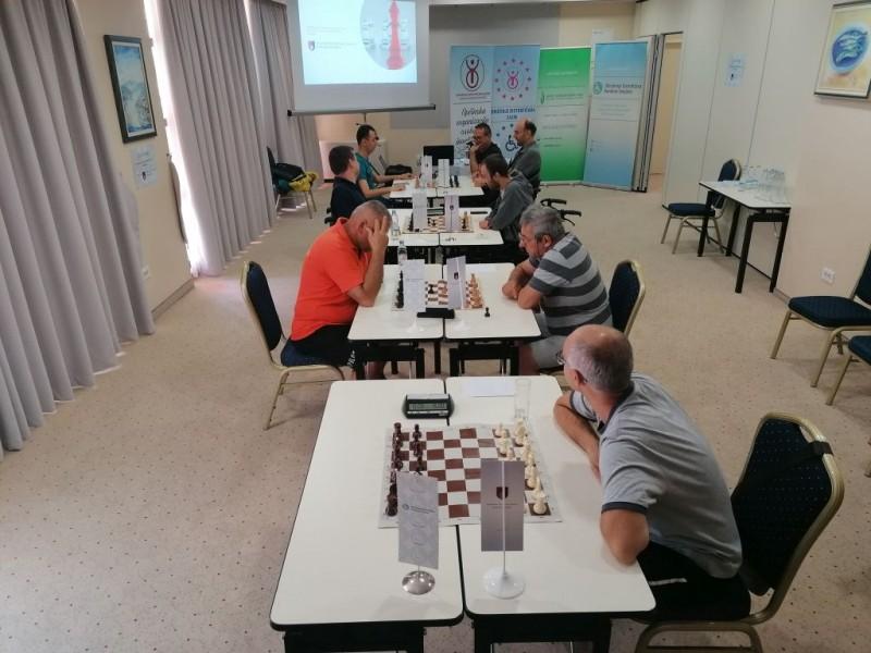 U Nemu održan šahovski turnir za oboljele od distrofije